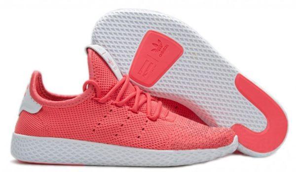 Малиновые кроссовки Adidas