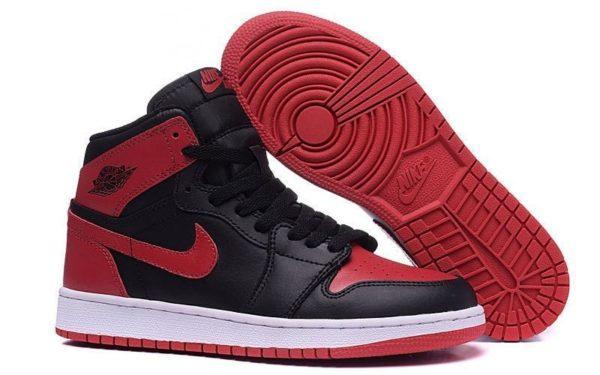 Nike Air Jordan 1 Retro черно-красные (35-44)