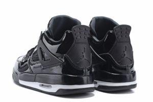 Air Jordan 4 Retro глянец черные (40-45)