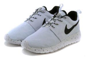 Nike Roshe Run бело-черные (35-44)