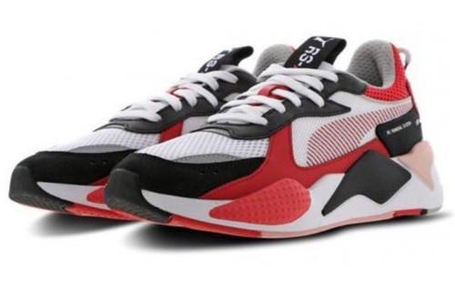 Женские красные кроссовки с полоской