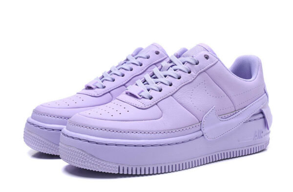 Кроссовки Nike Air Force 1 LV8