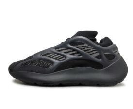 Adidas Yeezy Boost 700 V3 черные светящиеся (40-44)